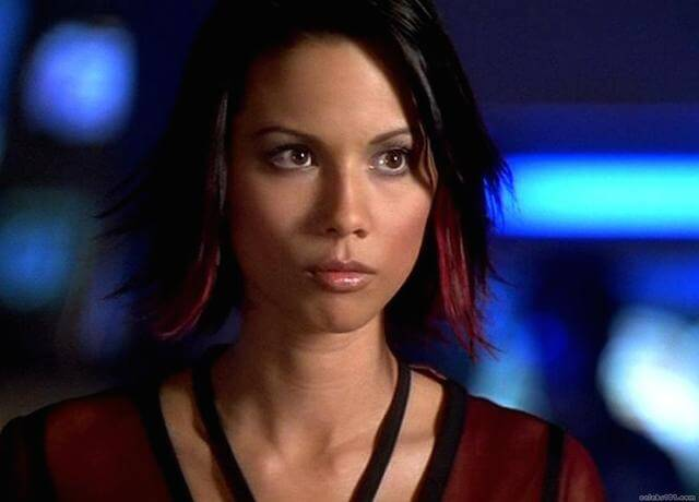 Lexa Doig earned a  million dollar salary, leaving the net worth at 0.5 million in 2017