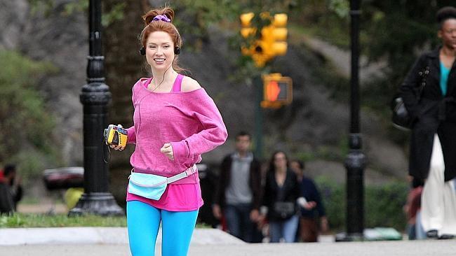 Ellie Kemper running