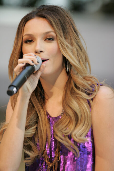 Ricki-Lee Coulter performs at Westfield, Parramatta