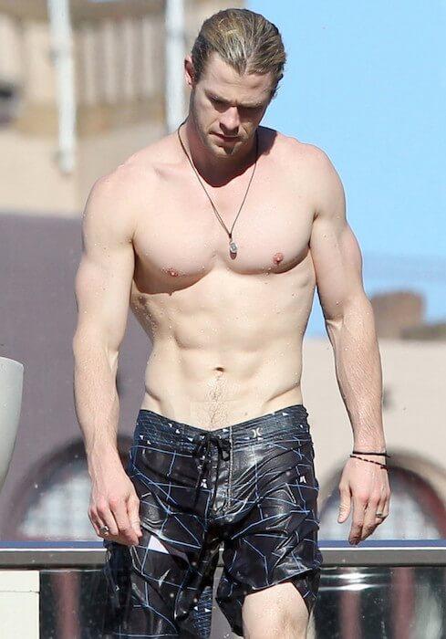 Chris Hemsworth shirtless body