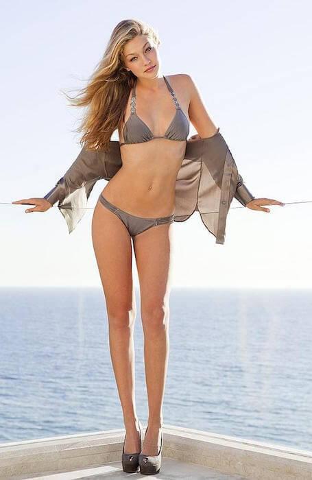 Gigi Hadid revealing her bikini figure 1