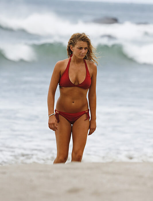 Jenn Brown in Survivor: Worlds Apart No Collar Tribe