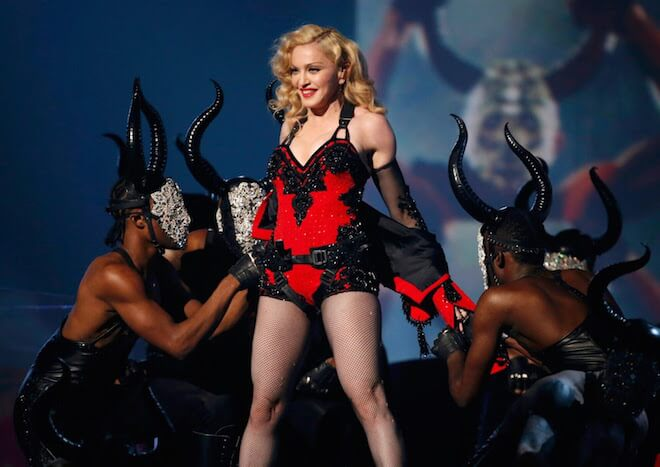 Madonna performs 'Living For Love' at Grammys 2015