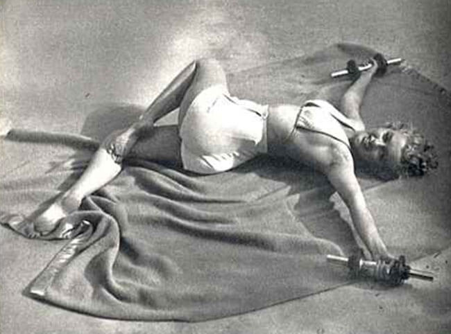 Marilyn Monroe doing Jathara Parivartanasana Supine Twist