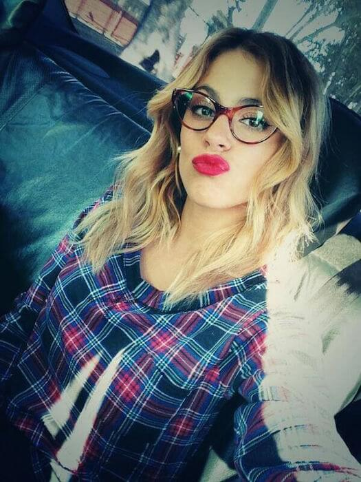 Martina Stoessel pout