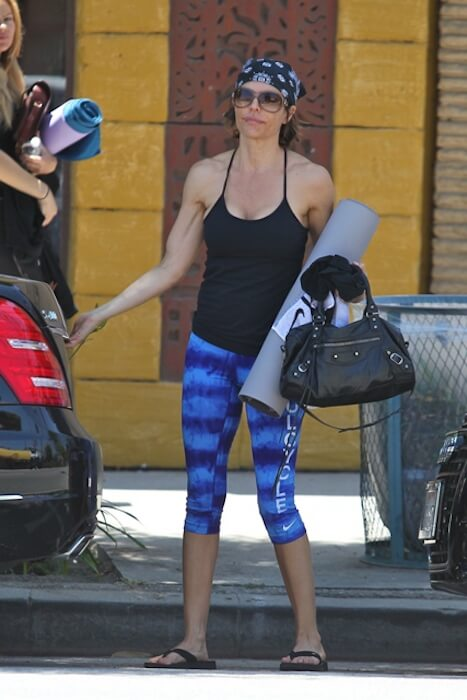 Lisa Rinna coming out of the gym