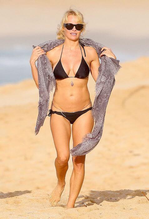 Pamela Anderson Height Weight Body Statistics Boyfriend ...