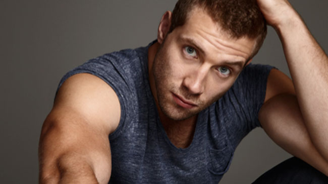 Jai Courtney body