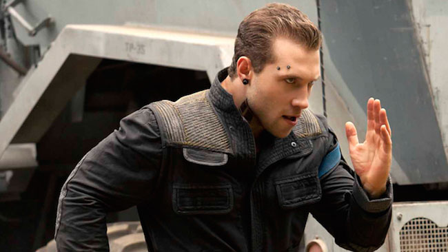 Jai Courtney running scene