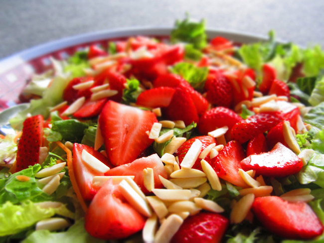 Pack healthy salads