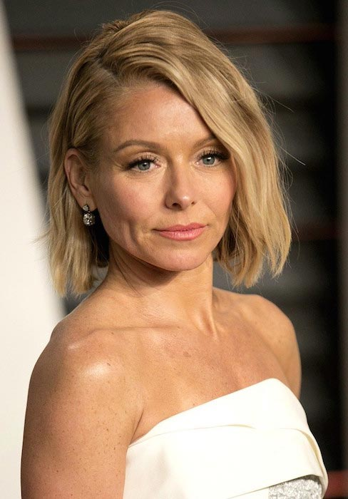Kelly Ripa at 2015 Vanity Fair Oscar Party