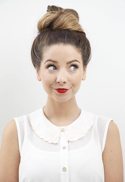 Zoe Sugg face