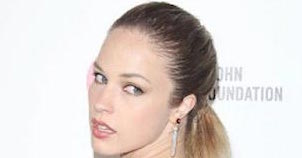 Alexis Knapp Height, Weight, Age, Body Statistics