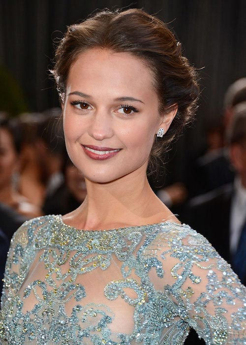 Alicia Vikander 2016 look