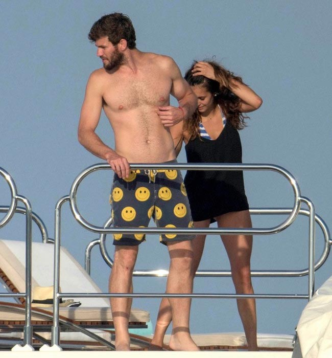 Austin Stowell shirtless and girlfriend Nina Dobrev