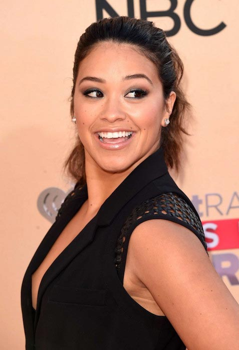 Gina Rodriguez at 2015 iHeartRadio Music Awards