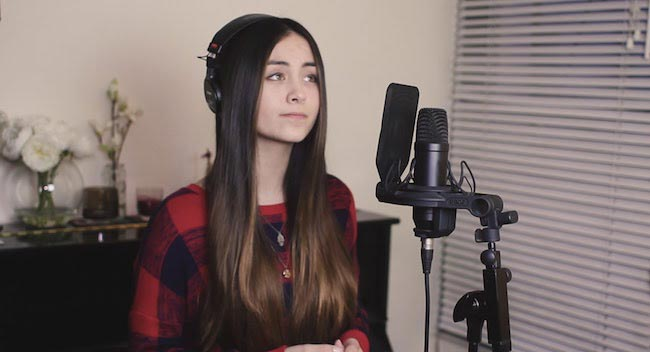 Jasmine Thompson while music recording