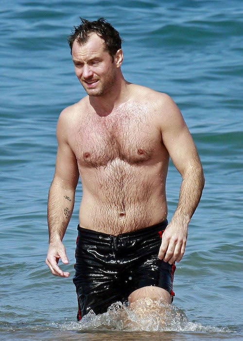 Jude Law shirtless during a vacation in Hawaii