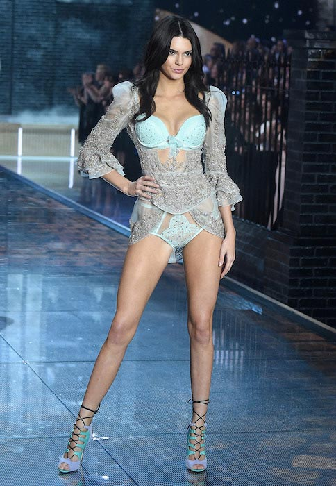Kendall Jenner catwalking at Victoria's Secret Show 2015
