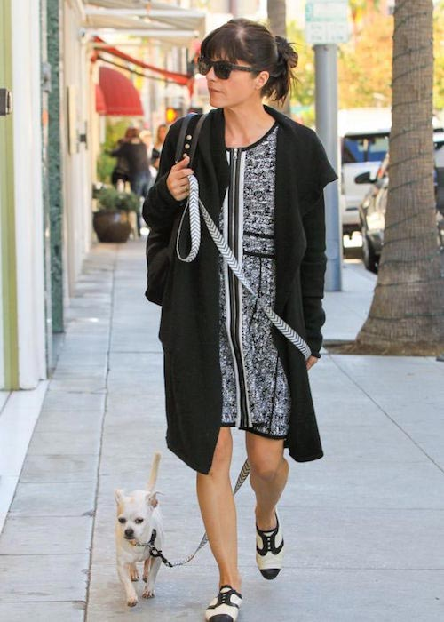 Selma Blair with her dog Ducky in Beverly Hills in November 2015