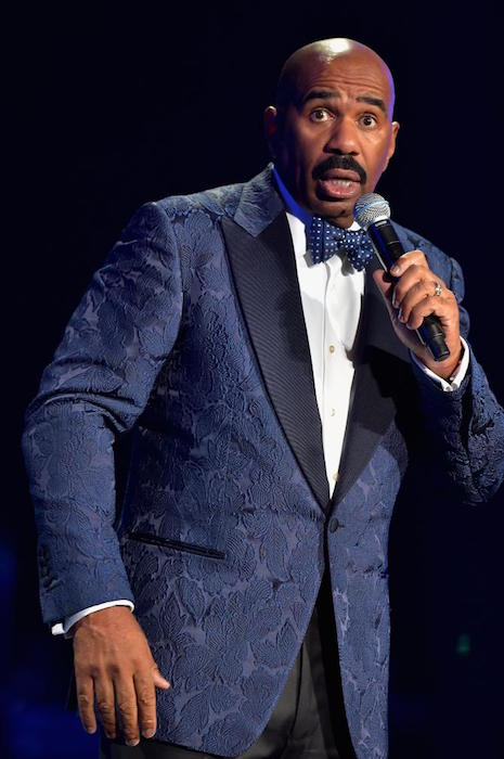 Steve Harvey speaks at the 2015 Ford Neighborhood Awards