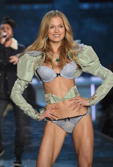 Vita Sidorkina at 2015 Victoria's Secret Fashion Show