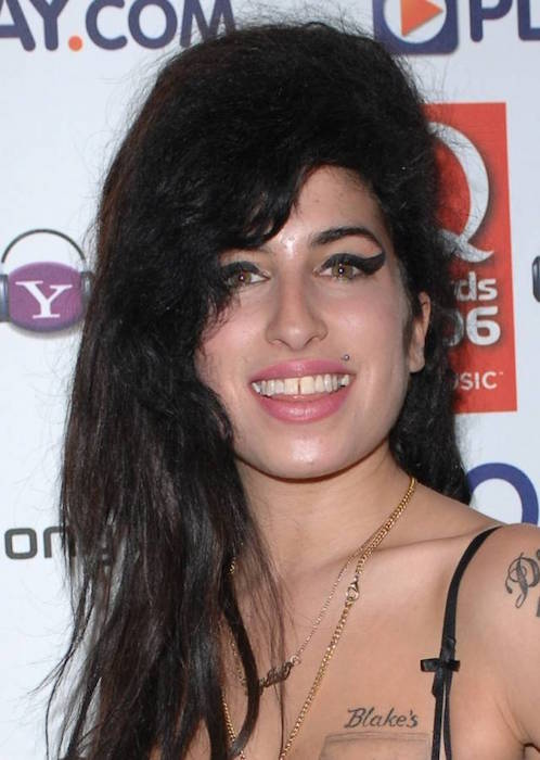 Amy Winehouse gapped tooth