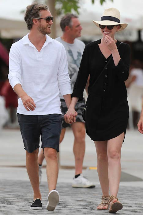 Anne Hathaway and husband Adam Shulman exploring the historic old town of Ibiza, on August 15 2015