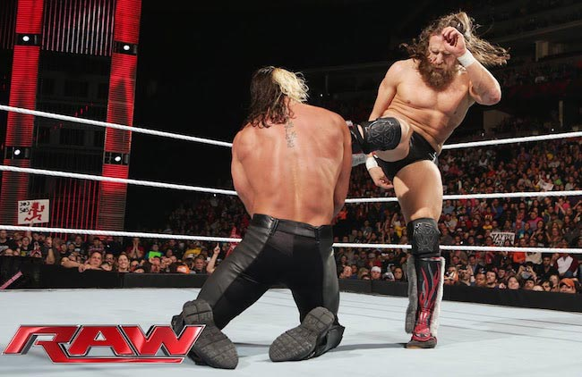 Daniel Bryan vs Seth Rollins during a Raw Match on February 2, 2015