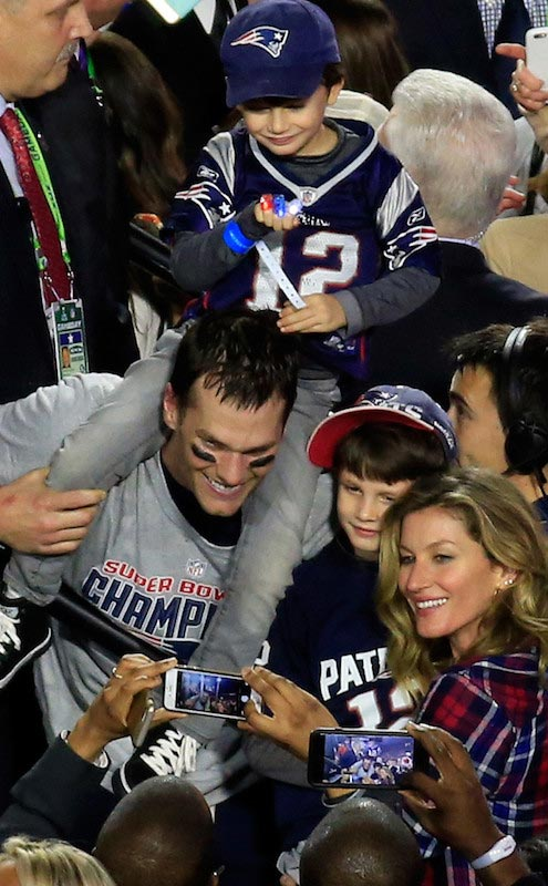 Tom Brady celebrates Fourth Super Bowl Win with Gisele Bündchen and the family in February 2015