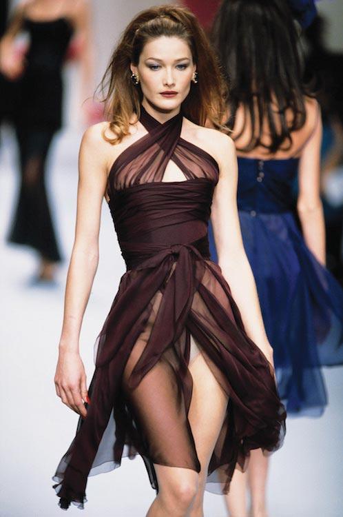 Carla Bruni modeling