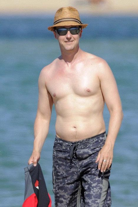 Edward Norton shirtless body