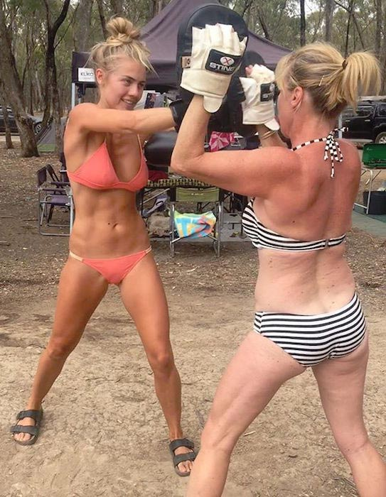 Elyse Knowles boxing workout