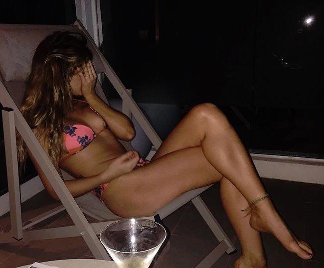 Singer Foxes in bikini