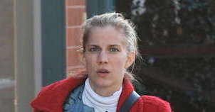 Anna Chlumsky - Featured Image