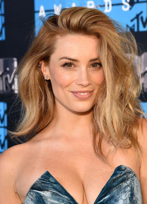 Arielle Vandenberg at 2015 MTV Video Music Awards in Los Angeles