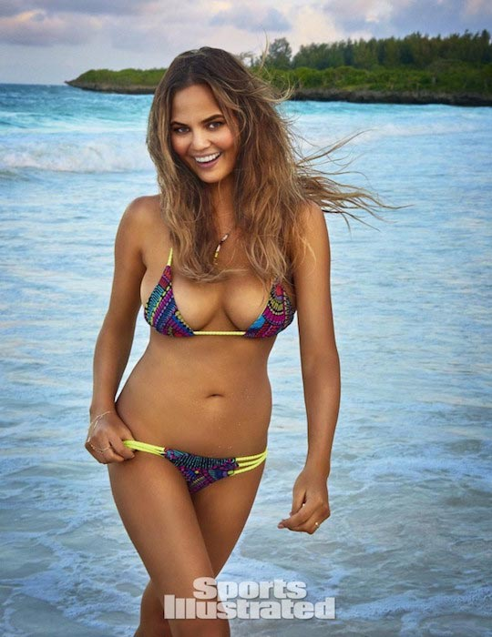 Chrissy Teigen posing for 2016 Sports Illustrated Swimsuit Issue