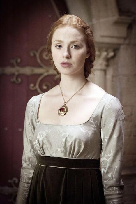 "Freya Mavor as Princess Elizabeth of York in ""The White Queen"""