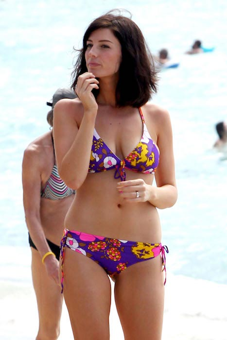Jessica Pare hot in bikini