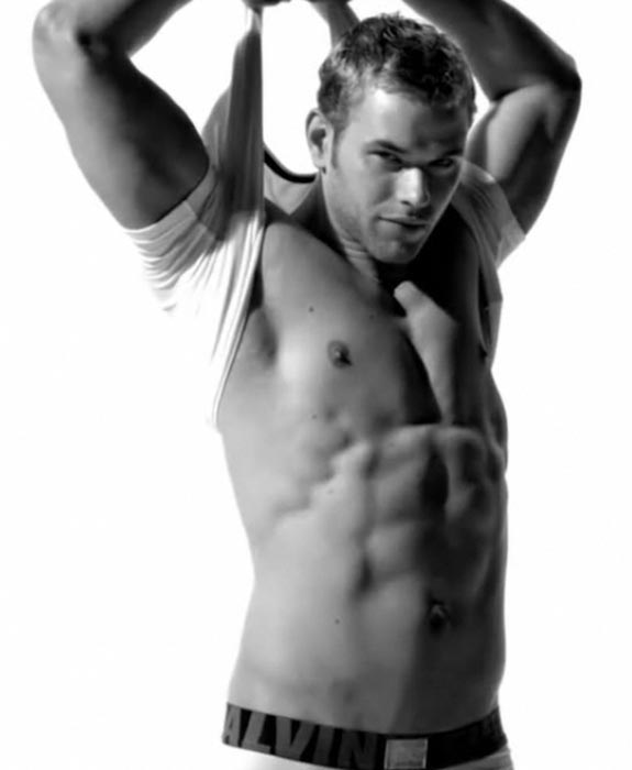 Kellan Lutz showing his abs