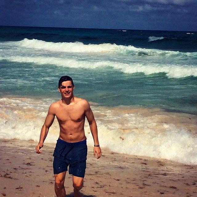 Martin Garrix shirtless body