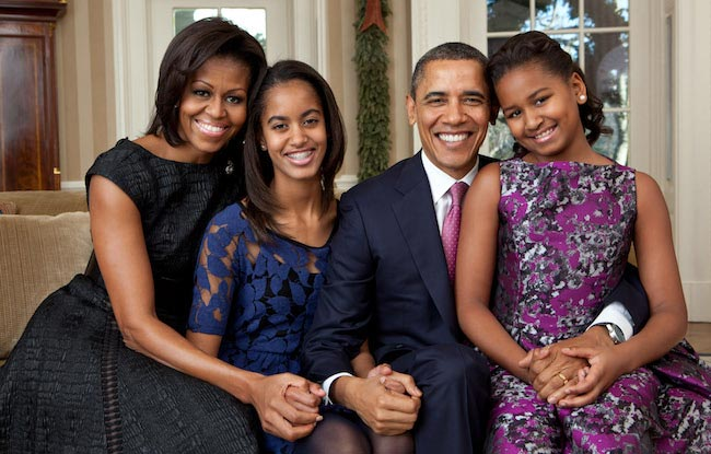 Michelle Obama, Barack Obama and their 2 daughters