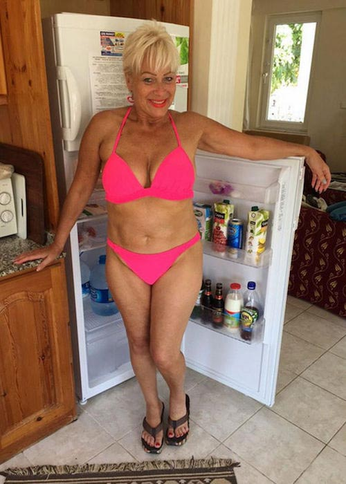 Denise Welch in bikini