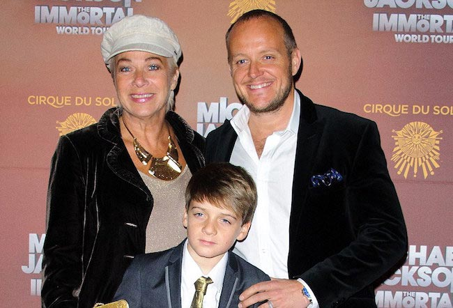 Denise Welch with hubby and son. The trio often run together