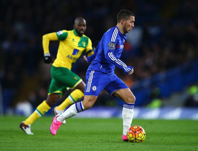 Eden Hazard with the ball during a Premier League match between Chelsea and Norwich City on November 21, 2015