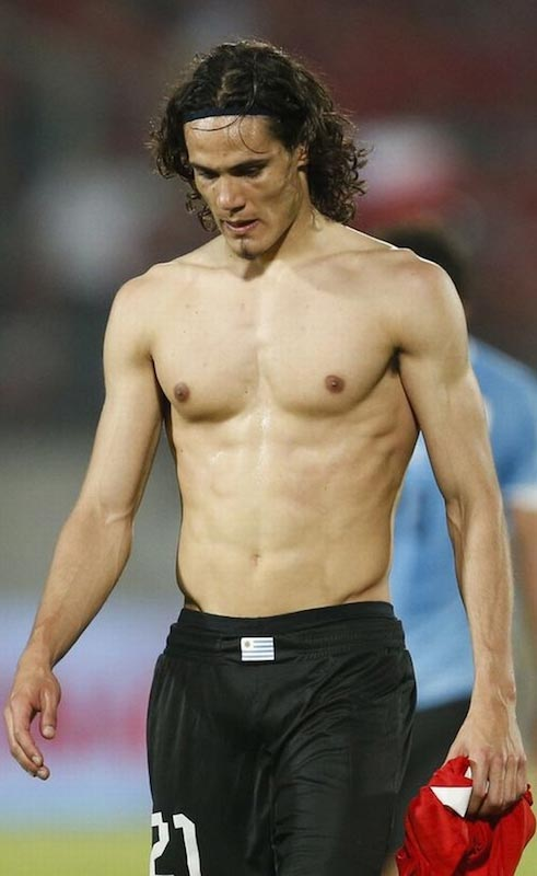 """Hard work pays off""... Cavani's great looking body"