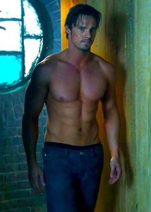 Jay Ryan shirtless body