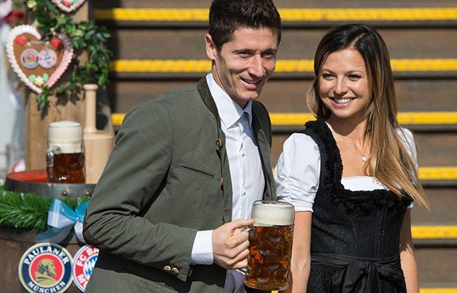 Robert Lewandowski and Anna Stachurska having fun at the 182nd Oktoberfest in Munich, Germany