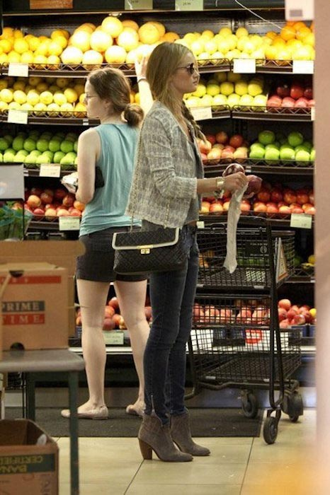 Rosie Huntington-Whiteley at Bristol Farms shopping for grocery