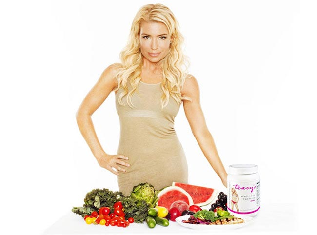 Tracy Anderson with fruits and vegetables